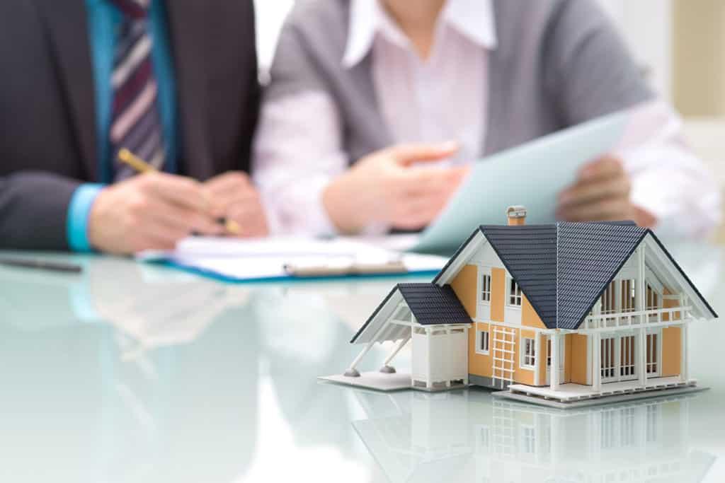 Les Courtiers Basques : Notre métier - Les Courtiers en prêt immobilier sont des professionnels qui vont se charger de rechercher, à la place des emprunteurs, les meilleurs taux de prêt immobilier, assurances, frais de dossier bancaire etc., concernant leur projet immobilier. Etude gratuite - Pas de frais de courtage si vous passez directement par nous.